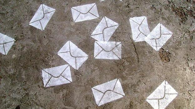 Ordenar os correios eletrónicos no Outlook